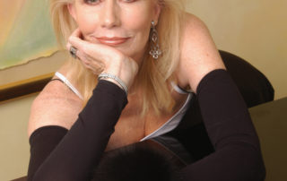SAlly Kellerman full shot