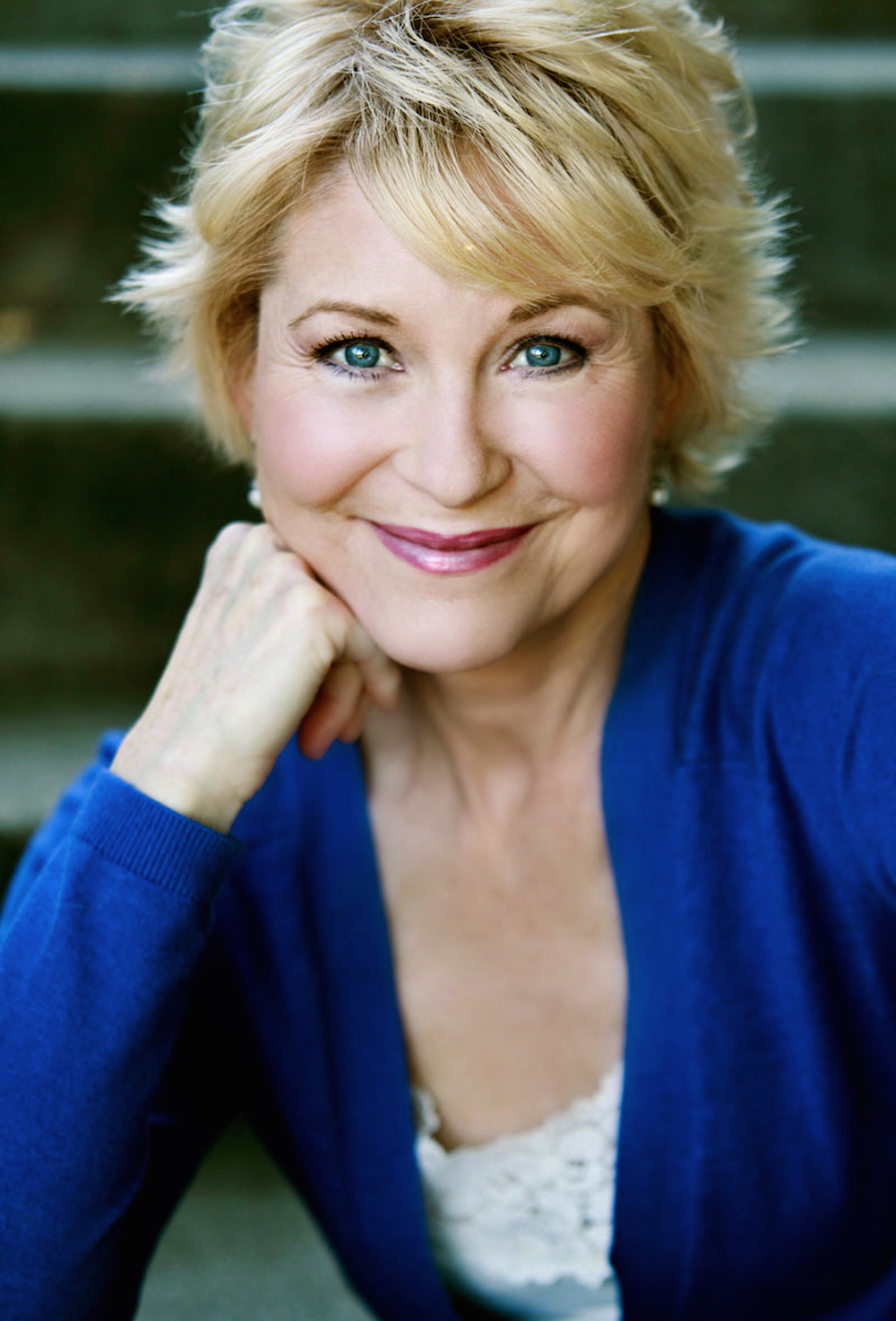 Watch Dee Wallace video